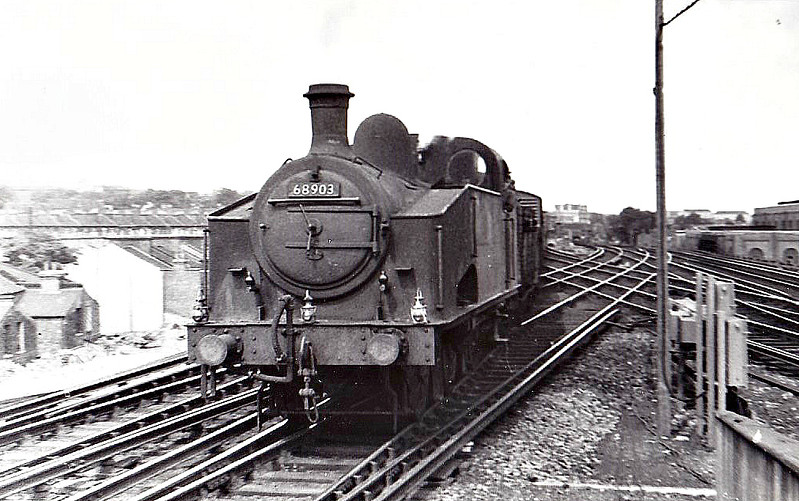 68903 - Gresley GNR/LNER Class J50 0-6-0T - built 02/15 by Doncaster Works as GNR No.171 - 11/24 to LNER No.3171, 05/46 to LNER No.8903, 03/49 to BR No.68903 - 04/61 withdrawn from 34B Hornsey - seen here at Lewisham on an inter-regional freight, 08/57.