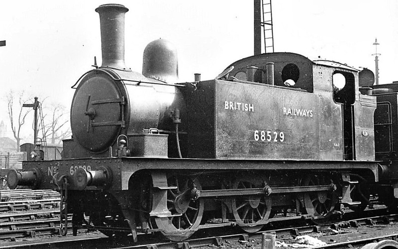 68529 - Holden GER/LNER Class J67 0-6-0T - built 03/1892 by Stratford Works as GER No.352 - 1924 to LNER No.7352, 09/46 to LNER No.8529, 03/48 to BR No.68529 - 08/58 withdrawn from 30A Stratford - seen here at Lincoln, 04/48.