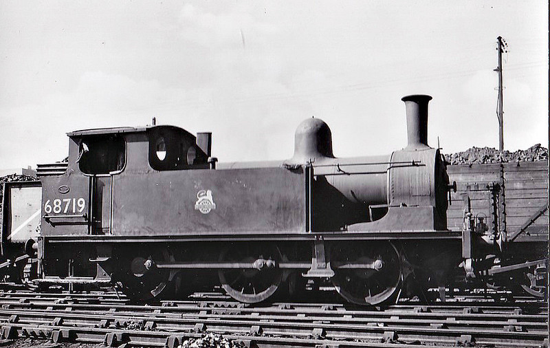 68719 - Worsdell NER Class J72 0-6-0T - built 12/20 by Darlington Works as NER No.2312 - 04/46 to LNER No.8719, 02/49 to BR No.68719 - 01/61 withdrawn from 61A Kittybrewster.