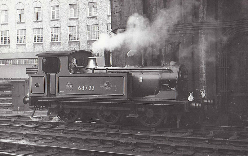 68723 - Worsdell NER Class J72 0-6-0T - built 04/22 by Armstrong Whitworth as NER No.2316 - 06/46 to LNER No.8723, 10/48 to BR No.68723 - 09/63 withdrawn from 52A Gateshead - seen here as Newcastle Station Pilot, 05/61 - painted in NER green livery, 05/60.