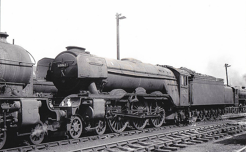 60062 MINORU - Gresley LNER Class A3 4-6-2 - built 05/25 by Doncaster Works as LNER No.2561 - 10/46 to LNER No.62, 07/49 to BR No.60062 - 12/64 withdrawn from 34E New England - seen here at York, 08/63.