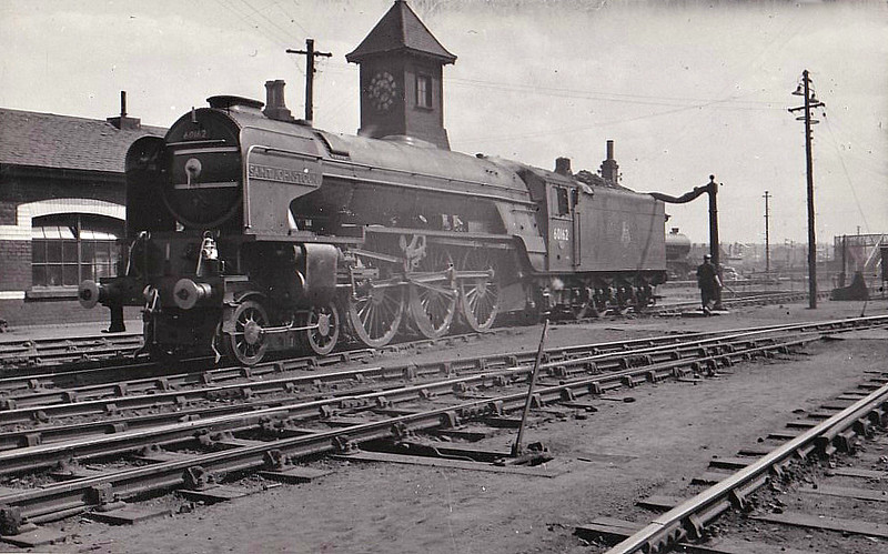 60162 SAINT JOHNSTOUN - Peppercorn Class A1 4-6-2 - built 12/49 by Doncaster Works - 10/63 withdrawn from 64A St Margarets - seen here 05/55.