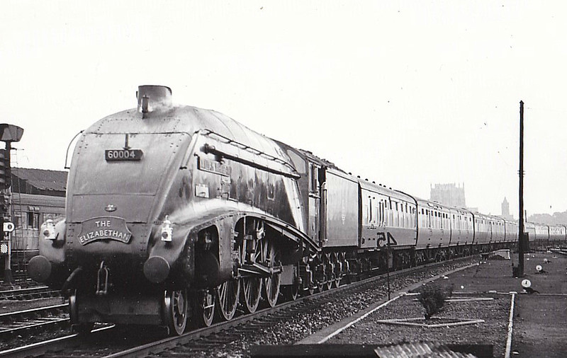 60004 WILLIAM WHITELAW - Gresley LNER Class A4 4-6-2 - built 12/37 by Doncaster Works as LNER No.4462 - 06/41 original name GREAT SNIPE removed, 08/46 to LNER No.4, 05/48 to BR No.60004 - 10/66 withdrawn from 61B Aberdeen Ferryhill - seen here at York.