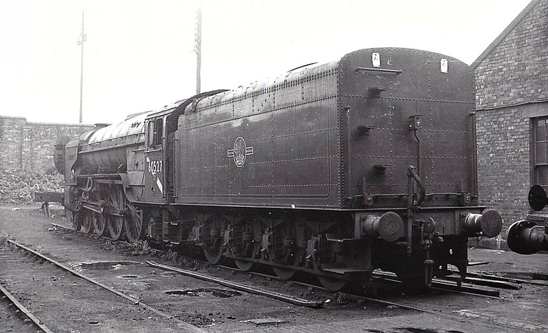 60527 - 60527 SUN CHARIOT - Peppercorn LNER Class A2 4-6-2 - built 01/48 by Doncaster Works - 04/65 withdrawn from 66A Polmadie  - seen here after withdrawal.