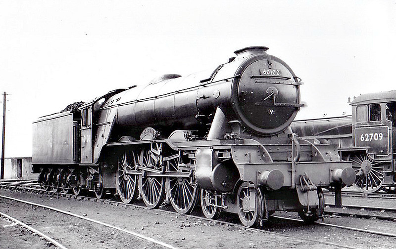 60100 SPEARMINT - Gresley LNER Class A3 4-6-2 - built 05/30 by Doncaster Works as LNER No.2796 - 07/46 to LNER No.100, 04/49 to BR No.60100 - 06/65 withdrawn from 64A St Margarets - seen here at Haymarket.