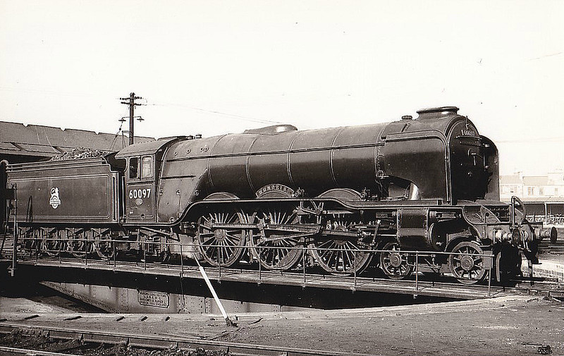 60097 HUMORIST - Gresley LNER Class A3 4-6-2 - built 03/29 by Doncaster Works as LNER No.2751 - 05/46 to LNER No.97, 06/48 to BR No.60097 - 08/63 withdrawn from 64A St Margarets - seen here fitted with A1-type smoke deflectors.