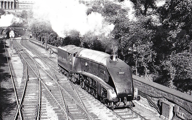 60027 MERLIN - Gresley LNER Class A4 4-6-2 - built 03/37 by Doncaster Works as LNER No.4486 - 05/46 to LNER No.27, 06/48 to BR No.60027 - 09/65 withdrawn from 64A St Margarets - seen here in Princes Street Gardens, 1948.