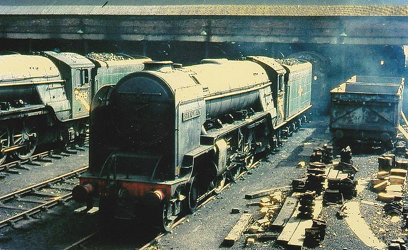 60512 STEADY AIM - Thompson LNER/BR Class A2 4-6-2 - built 08/46 by Doncaster Works as LNER No.512 - 03/48 to BR No.60512 - 06/65 withdrawn from 52B Dundee Tay Bridge.