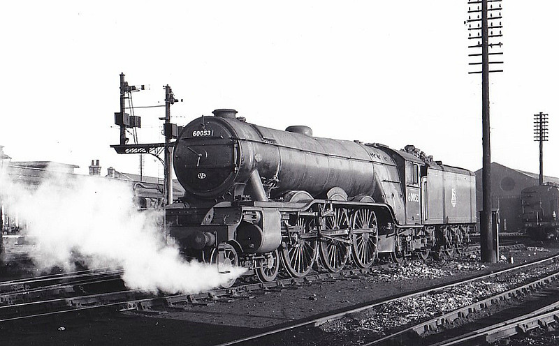 60053 SANSOVINO - Gresley LNER Class A3 4-6-2 - built 12/24 by Doncaster Works as LNER No.2552 - 11/46 to LNER No.53, 02/49 to BR No.60053 - 05/63 withdrawn from 52B Heaton - seen here at Grantham.