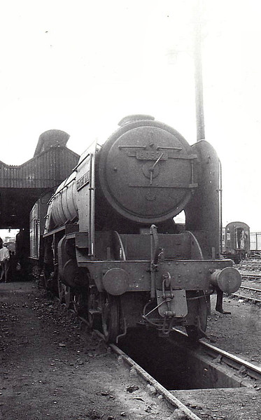 60522 STRAIGHT DEAL - Thompson LNER/BR Class A2 4-6-2 - built 06/47 by Doncaster Works as LNER No.522 - 02/48 to BR No.E522, 09/49 to BR No.60522 - 06/65 withdrawn from 66A Polmadie.