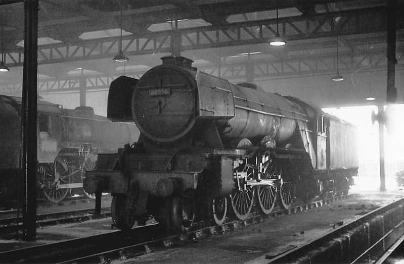 60100 SPEARMINT - Gresley LNER Class A3 4-6-2 - built 05/30 by Doncaster Works as LNER No.2796 - 07/46 to LNER No.100, 04/49 to BR No.60100 - 06/65 withdrawn from 64A St Margarets.