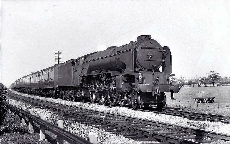 60135 MADGE WILDFIRE - Peppercorn BR Class A1 4-6-2 - built 11/48 by Darlington Works - 11/62 withdrawn from 56B Ardsley - seen here at Newcastle.