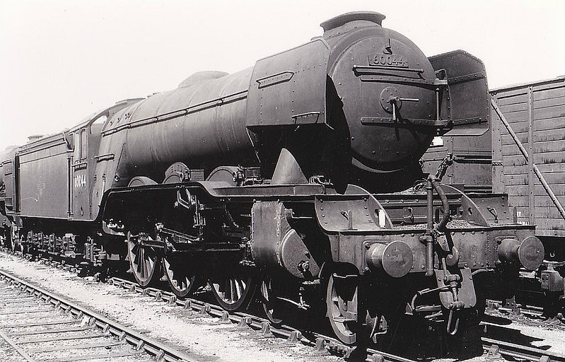 60044 MELTON - Gresley LNER Class A3 4-6-2 - built 06/24 by Doncaster Works as LNER No.2543 - 09/46 to LNER No.44, 08/49 to BR No.60044 - 06/63 withdrawn from 34A Kings Cross - seen here at New England.