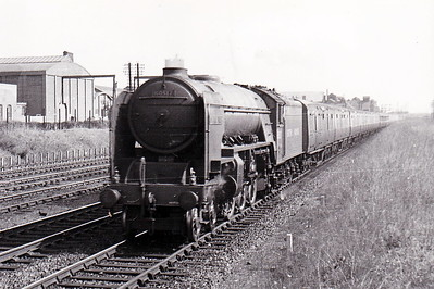 60517 OCEAN SWELL - Thompson LNER/BR Class A2 4-6-2 - built 11/46 by Doncaster Works as LNER No.517 - 08/48 to BR No.60516 - 11/62 withdrawn from 52D Tweedmouth - seen here on a Down express near Werrington Junction in August 1949.