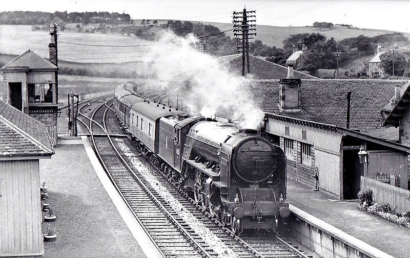 60515 SUN STREAM - Thompson LNER/BR Class A2 4-6-2 - built 10/46 by Doncaster Works as LNER No.515 - 06/48 to BR No.60515 - 11/62 withdrawn from 50A York North - seen here at Grantshouse.
