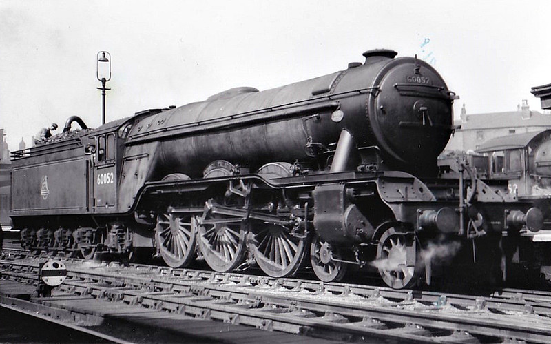 60052 PRINCE PALATINE - Gresley LNER Class A3 4-6-2 - built 11/24 by Doncaster Works as LNER No.2551 - 04/46 to LNER No.52, 10/48 to BR No.60052 - 08/63 withdrawn from 64A St Margarets - seen here at Nottingham Victoria.