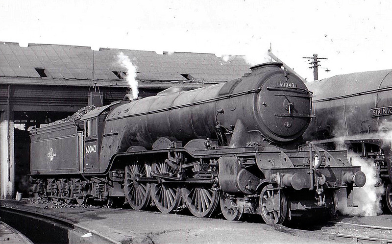 60042 SINGAPORE - Gresley LNER Class A3 4-6-2 - built 12/34 by Doncaster Works as LNER No.2507 - 11/46 to LNER No.42, 04/48 to BR No.60042 - 07/64 withdrawn from 64A St Margarets - seen here at Haymarket.
