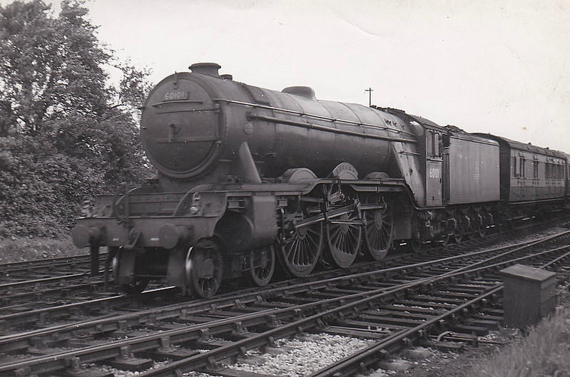 60101 CICERO - Gresley LNER Class A3 4-6-2 - built 06/30 by Doncaster Works as LNER No.2797 - 07/46 to LNER No.101, 08/48 to BR No.60101 - 04/63 withdrawn from 64A St Margarets.