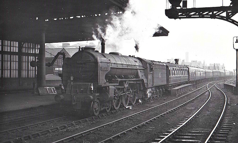 60539 BRONZINO - Peppercorn LNER Class A2 4-6-2 - built 08/48 by Doncaster Works - 11/62 withdrawn from 52D Tweedmouth.