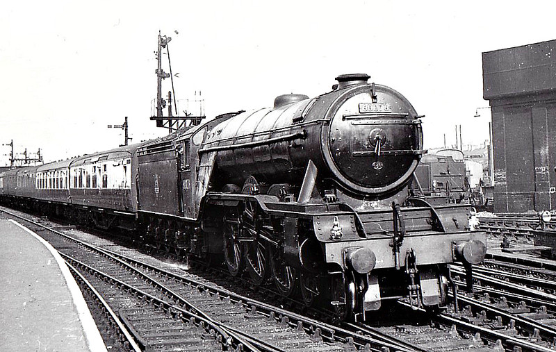 60076 GALOPIN -  Gresley LNER Class A3 4-6-2 - built 10/24 by North British Loco Co. as LNER No.2575 - 09/46 to LNER No.76, 09/48 to BR No.60076 - 10/62 withdrawn from 52B Heaton - seen here at Peterborough North, 09/52.
