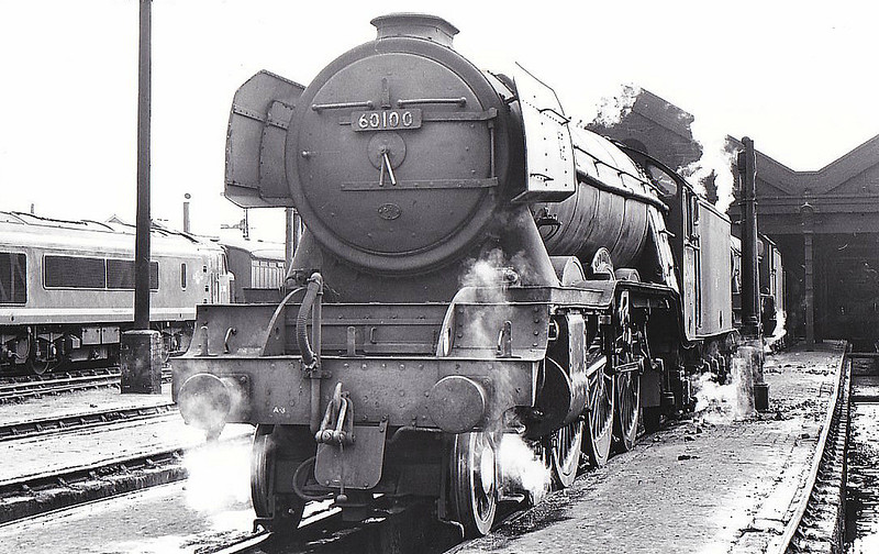 60100 SPEARMINT - Gresley LNER Class A3 4-6-2 - built 05/30 by Doncaster Works as LNER No.2796 - 07/46 to LNER No.100, 04/49 to BR No.60100 - 06/65 withdrawn from 64A St Margarets, where seen 05/65.