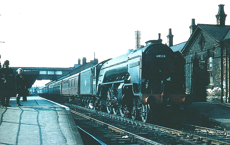 60524 HERRINGBONE - Peppercorn LNER Class A2 4-6-2 - built 09/47 by Doncaster Works as BR No.524 - 01/49 to BR No.60524 - 02/65 withdrawn from 66A Polmadie - seen here at Grantham, 08/58.