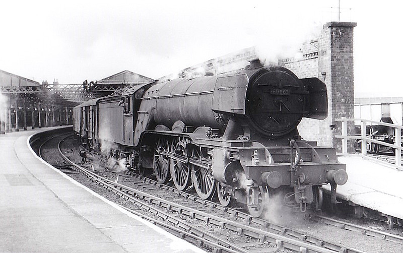 60063 ISINGLASS - Gresley LNER Class A3 4-6-2 - built 06/25 by Doncaster Works as LNER No.2562 - 07/46 to LNER No.63, 01/49 to BR No.60063 - 06/64 withdrawn from 34E New England - seen here at West Hartlepool, 06/63.