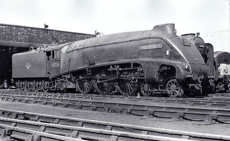 60026 MILES BEEVOR - Gresley LNER Class A4 4-6-2 - built 02/37 by Doncaster Works as LNER No.4485 - 05/46 to LNER No.26 - 09/47 original name KESTREL removed - 09/49 to BR No.60026 - 12/65 withdrawn from 61B Aberdeen Ferryhill - seen here at Kings Cross, 04/62.