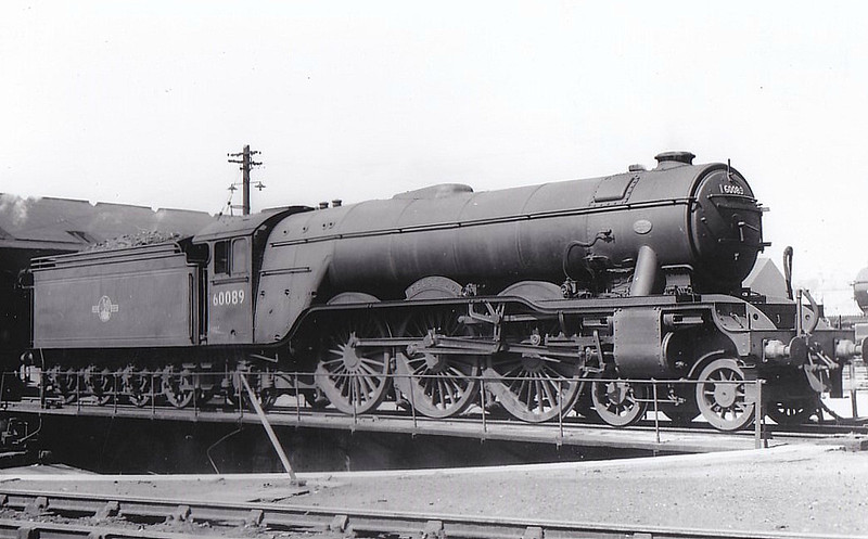 60089 FELSTEAD - Gresley LNER Class A3 4-6-2 - built 08/28 by Doncaster Works as LNER No.2743 - 09/46 to LNER No.89, 09/48 to BR No.60089 - 10/63 withdrawn from 64A St Margarets - seen here at Haymarket.