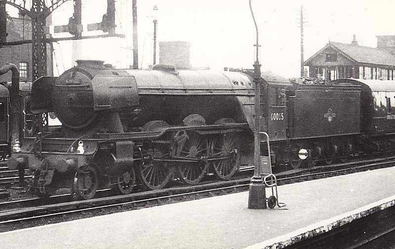 60035 WINDSOR LAD - Gresley LNER Class A3 4-6-2 - built 07/34 by Doncaster Works as LNER No.2500 - 06/46 to LNER No.35, 11/48 to BR No.60035 - 09/61 withdrawn from 64B Haymarket - seen here at Leeds Central in 1962.