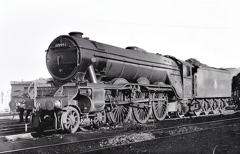 60099 CALL BOY - Gresley LNER Class A3 4-6-2 - built 04/30 by Doncaster Works as LNER No.2795 - 03/48 to LNER No.99, 07/46 to BR No.E99, 07/49 to BR No.60099 - 10/63 withdrawn from 64A St Margarets - seen here at Haymarket, 02/51.