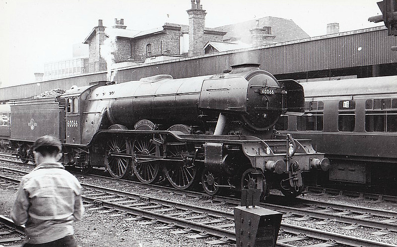 60066 MERRY HAMPTON - Gresley LNER Class A3 4-6-2 - built 07/24 by North British Loco Co. as LNER No.2565 - 07/46 to LNER No.66, 03/48 to BR No.60066 - 09/63 withdrawn from 34F Grantham - seen here at Doncaster.