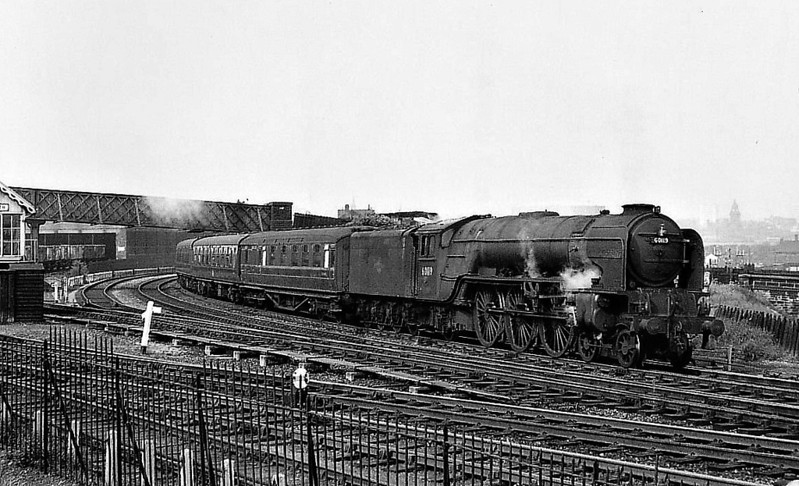 60119 PATRICK STIRLING - Peppercorn Class A1 4-6-2 - built 11/48 by Doncaster Works - 05/64 withdrawn from 36A Doncaster - seen here at Wortley Junction, Leeds, 05/64.