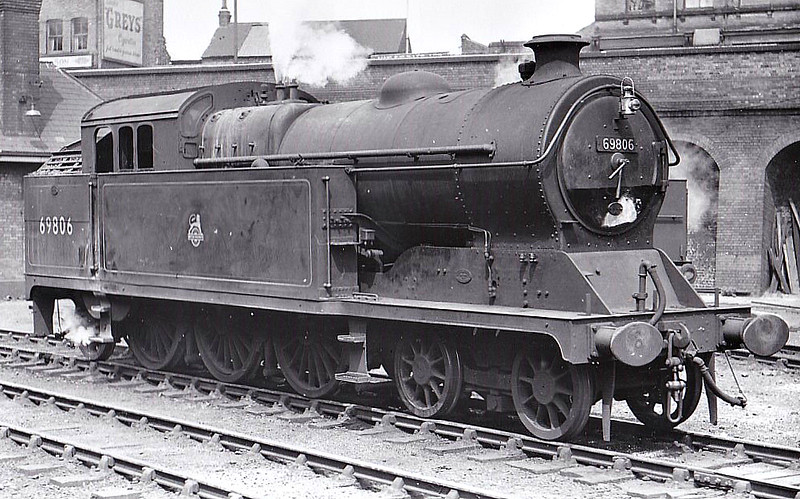 69806 - Robinson GCR Class A5 4-6-2T - built 06/11 by Gorton Works as GCR No.23 - 10/24 to LNER No.5023, 07/46 to LNER No.9806, 03/49 to BR No.69806 - 03/60 withdrawn from 39A Gorton - seen here at Nottingham in 07/51.