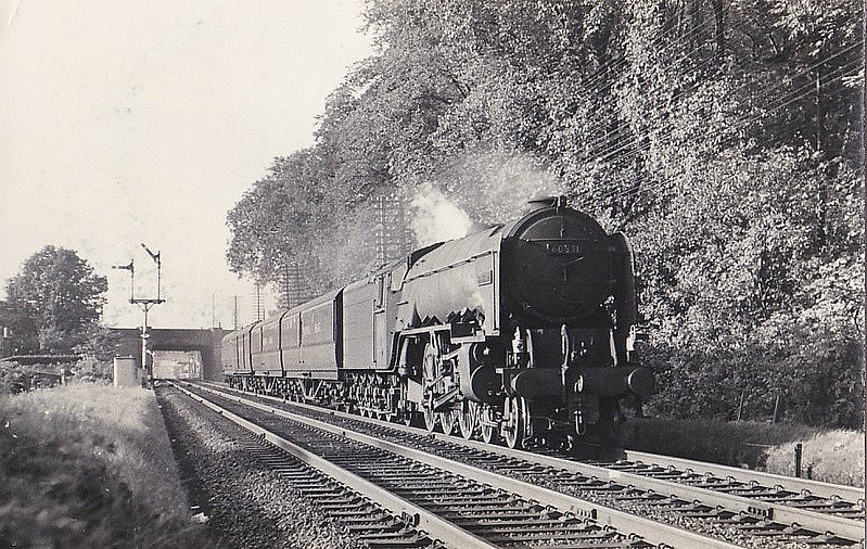 60531 BAHRAM - Peppercorn LNER Class A2 4-6-2 - built 03/48 by Doncaster Works as BR No.E531 - 11/48 to BR No.60531 - 12/62withdrawn from 50A York North.