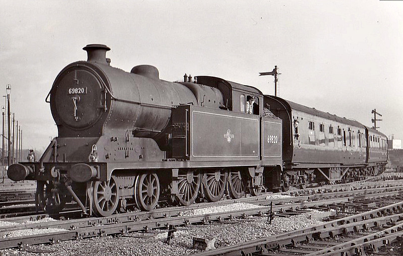 69820 - Robinson GCR Class A5 4-6-2T - built 01/23 by Gorton Works as GCR No.3 - 10/24 to LNER No.5003, 07/46 to LNER No.9820, 09/48 to BR No.69820 - 11/60 withdrawn from 40B Immingham - seen here on a Lincoln - Derby train, 04/59.