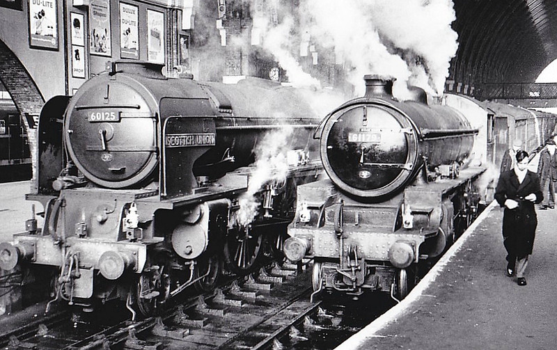 60125 SCOTTISH UNION -  Peppercorn Class A1 4-6-2 - built 04/49 by Doncaster Works - 07/64 withdrawn from 36A Doncaster - seen here at Kings Cross with Class B1 No.61178, 12/60.