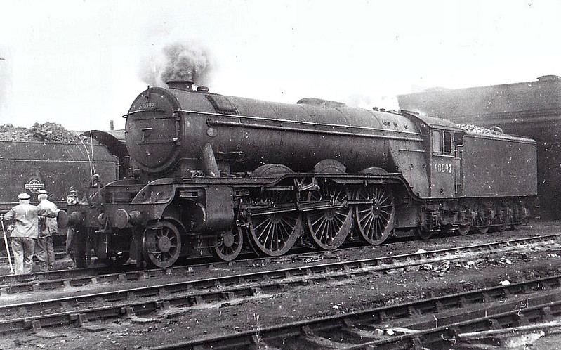 60092 FAIRWAY - Gresley LNER Class A3 4-6-2 - built 10/28 by Doncaster Works as LNER No.2746 - 10/46 to LNER No.92, 04/49 to BR No.60092 - 10/64 withdrawn from 52A Gateshead - seen here at Darlington, 08/53.