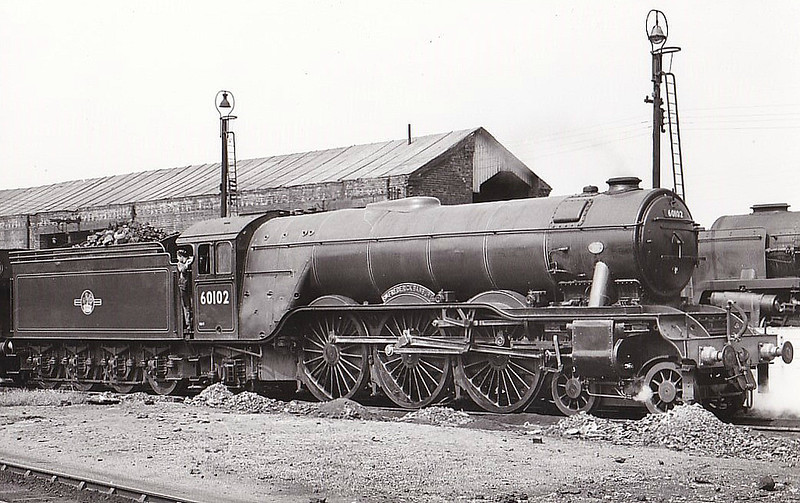 60102 SIR FREDERICK BANBURY - Gresley LNER Class A3 4-6-2 - built 07/22 by Doncaster Works as GNR No.1471 - 08/25 to LNER No.4471, 08/46 to LNER No.102, 05/49 to BR No.60102 - 11/61 withdrawn from 34A Kings Cross.