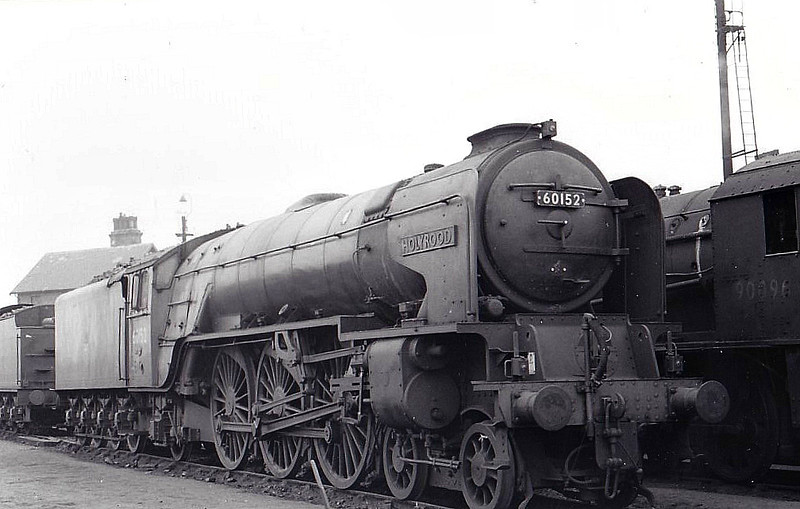60152 HOLYROOD - Peppercorn Class A1 4-6-2 - built 07/49 by Darlington Works - 06/65 withdrawn from 50A York North - seen here at York.
