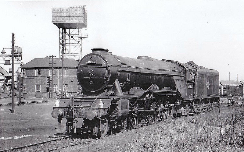 60058 BLAIR ATHOL - Gresley LNER Class A3 4-6-2 - built 02/25 by Doncaster Works as LNER No.2557 - 12/46 to LNER No.58, 03/49 to BR No.60058 - 06/63 withdrawn from 52B Heaton - seen here at Darlington, 04/62.
