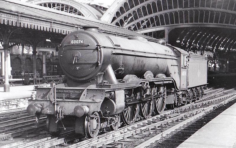 60074 HARVESTER - Gresley LNER Class A3 4-6-2 - built 10/24 by North British Loco Co. as LNER No.2573 - 06/46 to LNER No.74, 05/48 to BR No.60074 - 04/63 withdrawn from 50B Leeds Neville Hill - seen here at York.