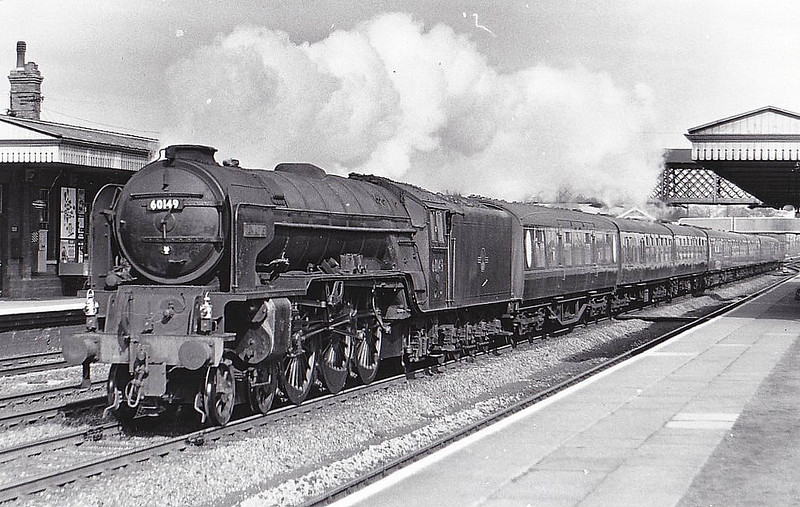 60149 AMADIS - Peppercorn BR Class A1 4-6-2 - built 05/49 .by Darlington Works - 06/64 withdrawn from 36A Doncaster - seen here at Welwyn Garden City, 03/62.