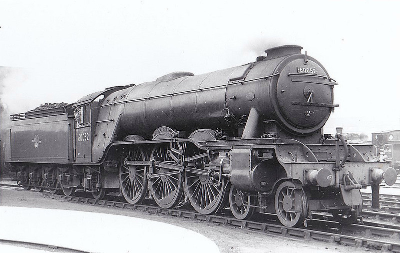 60052 PRINCE PALATINE - Gresley LNER Class A3 4-6-2 - built 11/24 by Doncaster Works as LNER No.2551 - 04/46 to LNER No.52, 10/48 to BR No.60052 - 08/63 withdrawn from 64A St Margarets - seen here at Haymarket.