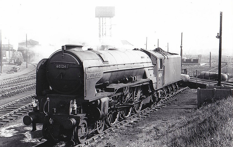 60124 KENILWORTH - Peppercorn Class A1 4-6-2 - built 03/49 by Doncaster Works - 03/66 withdrawn from 51A Darlington - seen here at Darlington.