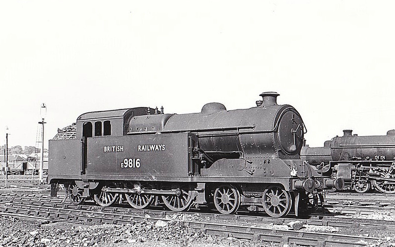 E9816 - Robinson GCR Class A5 4-6-2T - built 07/17 by Gorton Works as GCR No.372 - 05/25 to LNER No.5372, 08/46 to LNER No.9816, 03/48 to BR No.E9816, 11/51 to BR No.69816 - 01/59 withdrawn from 40A Lincoln - seen here at Neasden, 06/48.