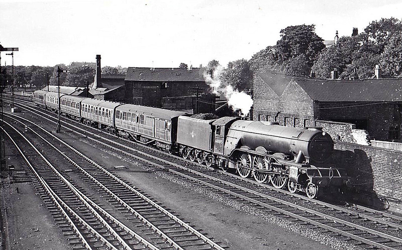 60095 FLAMINGO - Gresley LNER Class A3 4-6-2 - built 01/29 by Doncaster Works as LNER No.2749 - 05/46 to LNER No.95, 09/48 to BR No.60095 - 04/61 withdrawn from 12C Carlisle Canal - seen here at Carlisle, 07/59.