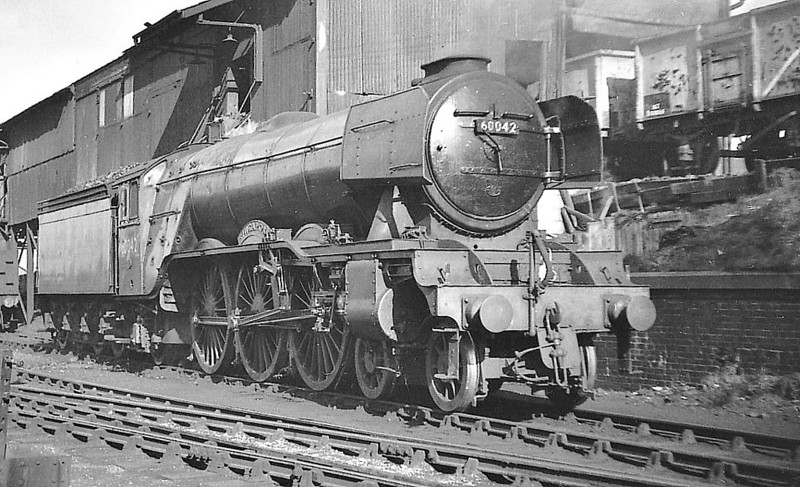 60042 SINGAPORE - Gresley LNER Class A3 4-6-2 - built 12/34 by Doncaster Works as LNER No.2507 - 11/46 to LNER No.42, 04/48 to BR No.60042 - 07/64 withdrawn from 64A St Margarets - seen here at St Rollox.
