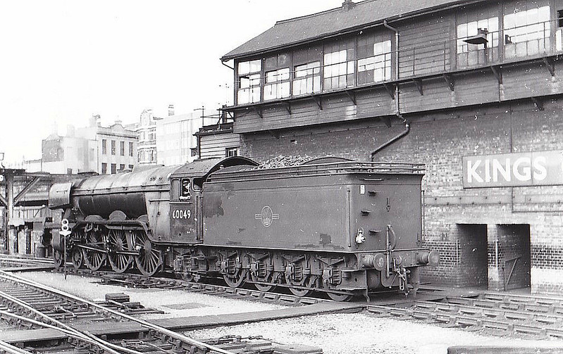 60049 GALTEE MORE - Gresley LNER Class A3 4-6-2 - built 09/24 by Doncaster Works as LNER No.2548 - 07/46 to LNER No.49, 06/48 to BR No.60049 - 12/62 withdrawn from 35B Grantham - seen here at Kings Cross.