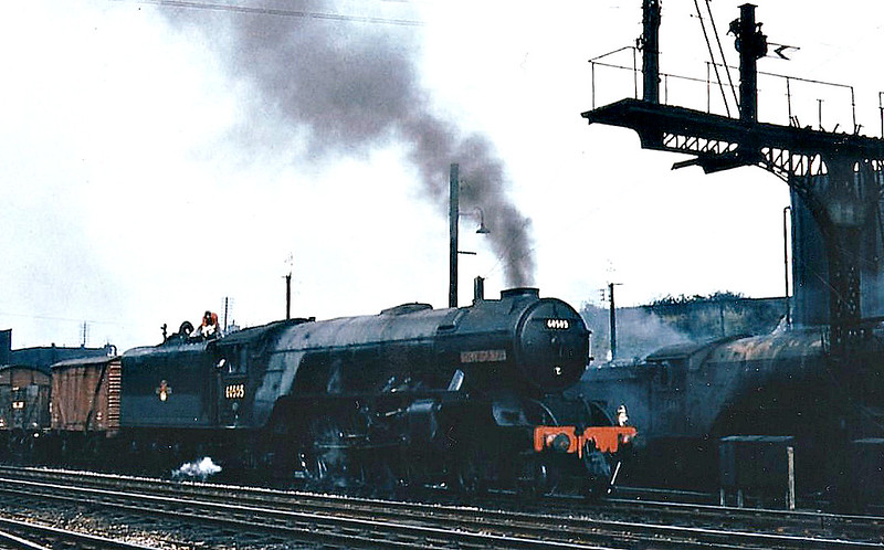 60505 THANE OF FIFE - Thompson LNER Class A2/2 rebuild of Gresley Class P2 2-8-2 - built 08/36 by Doncaster Works as LNER No.2005 - 01/43 rebuilt to Class A2/2, 05/46 to LNER No.505, 06/48 to BR No.60505 - 11/59 withdrawn from 34E New England - seen here at Hitchin, 05/58.